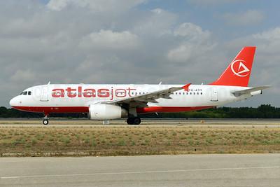 Atlasjet Airlines Airbus A320-233 TC-ATT (msn 1624) AYT (Ton Jochems). Image: 924548.