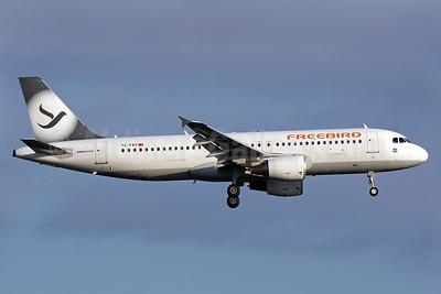Freebird Airlines Airbus A320-214 TC-FBV (msn 4658) LGW (Antony J. Best). Image: 938601.