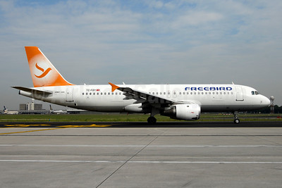Freebird Airlines Airbus A320-211 TC-FBY (msn 283) AYT (Ton Jochems). Image: 953909.
