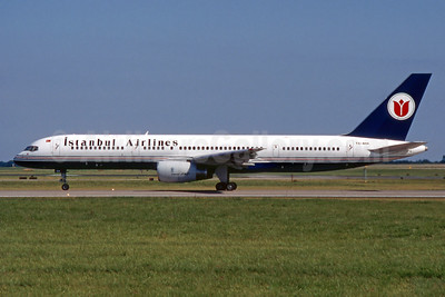 Istanbul Airlines Boeing 757-236 TC-AHA (msn 24121) DUB (SM Fitzwilliams Collection). Image: 920480.