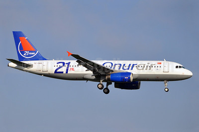 Onurair Airbus A320-233 TC-OBG (msn 916) (21 Years) BRU (Karl Cornil). Image: 912268.