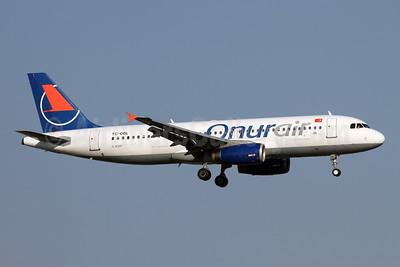 Onurair Airbus A320-232 TC-OBL (msn 640) AYT (Andi Hiltl). Image: 942720.