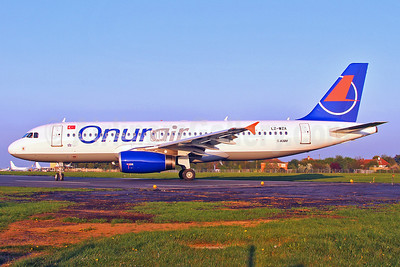 Onurair Airbus A320-232 LZ-WZA (TC-OBN) (msn 2571) SEN (Keith Burton). Image: 906308.