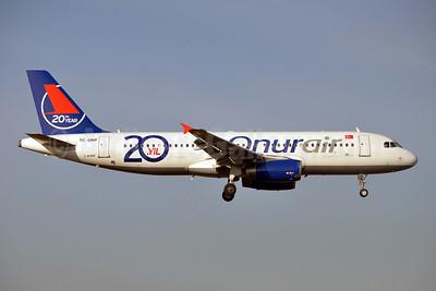 Onurair Airbus A320-232 TC-OBP (msn 496) (20th Year) BRU (Karl Cornil). Image: 908639.