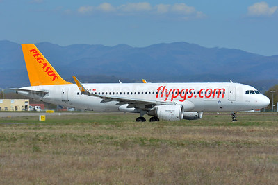 Pegasus Airlines (flypgs.com) Airbus A320-214 WL TC-DCB (msn 5902) BSL (Paul Bannwarth). Image: 938628.