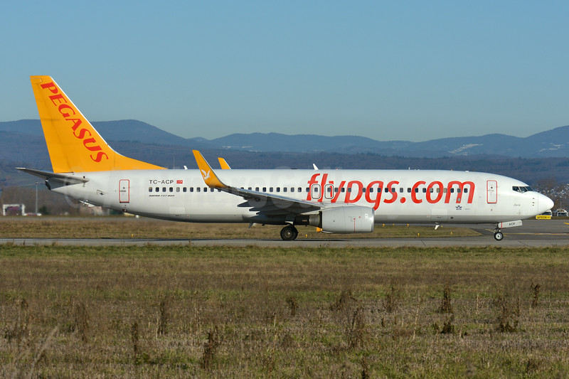 Pegasus Airlines (flypgs.com) Boeing 737-82R WL TC-ACP (msn 40697) BSL (Paul Bannwarth). Image: 937185.