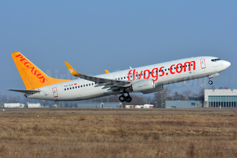 Pegasus Airlines (flypgs.com) Boeing 737-82R WL TC-AIS (msn 38174) BSL (Paul Bannwarth). Image: 937186.