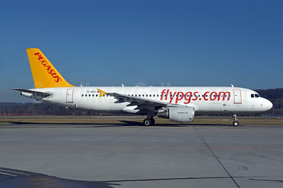 Pegasus Airlines (flypgs.com) Airbus A320-214 TC-DCF (msn 3831) ZRH (Rolf Wallner). Image: 945692.