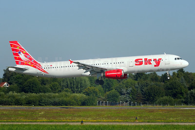 Sky Airlines (Turkey) Airbus A321-131 TC-SKI (msn 811) HAM (Gerd Beilfuss). Image: 900513.