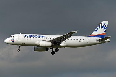 SunExpress Airlines (Avion Express) Airbus A320-232 LY-NVV (msn 2085) ZRH (Rolf Wallner). Image: 946813.