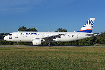 SunExpress Airlines (Avion Express) Airbus A320-212 LY-COM (msn 528) ZRH (Rolf Wallner). Image: 942995.