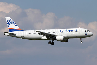 SunExpress Airlines (Avion Express) Airbus A320-212 LY-COM (msn 528) ZRH (Andi Hiltl). Image: 942994.