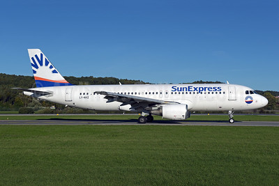SunExpress Airlines (Avion Express) Airbus A320-214 LY-NVZ (msn 921) ZRH (Rolf Wallner). Image: 947879.