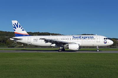 SunExpress Airlines (Avion Express) Airbus A320-214 LY-NVZ (msn 921) ZRH (Rolf Wallner). Image: 947879.