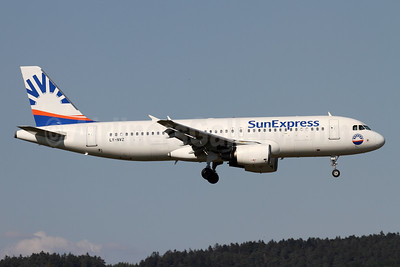 SunExpress Airlines (Avion Express) Airbus A320-214 LY-NVZ (msn 921) ZRH (Andi Hiltl). Image: 943183.