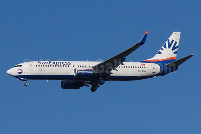 SunExpress Airlines Boeing 737-8HC WL TC-SNN (msn 40775) BSL (Paul Bannwarth). Image: 924278.