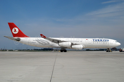Turkish Airlines Airbus A340-313 TC-JIH (msn 270) YYZ (TMK Photography). Image: 937132.