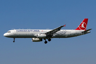 Turkish Airlines Airbus A321-231 TC-JRP (msn 4698) ZRH (Paul Bannwarth). Image: 924298.