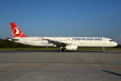 Turkish Airlines Airbus A321-231 TC-JSC (msn 5254) ZRH (Rolf Wallner). Image: 935144.