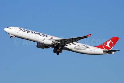 Turkish Airlines Airbus A330-303 TC-JNT (msn 1476) BRU (Karl Cornil). Image: 928559.
