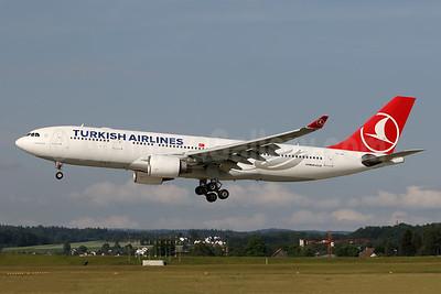 Turkish Airlines Airbus A330-223 TC-JIR (msn 949) ZRH (Andi Hiltl). Image: 943018.