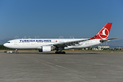 Turkish Airlines Airbus A330-223 TC-JIT (msn 977) AYT (Ton Jochems). Image: 939962.