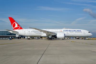 Turkish Airlines Boeing 787-9 Dreamliner TC-LLF (msn 65806) LHR (Wingnut). Image: 949063.
