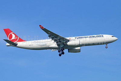 Turkish Airlines Airbus A330-343 TC-JNI (msn 1160) BKK (Michael B. Ing). Image: 938021.