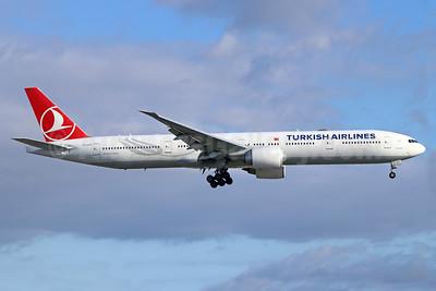 Turkish Airlines Boeing 777-3F2 ER TC-JJT (msn 44118) LAX (Michael B. Ing). Image: 943016.