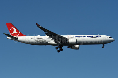 Turkish Airlines Airbus A330-303 TC-JOK (msn 1642) JFK (Fred Freketic). Image: 938019.