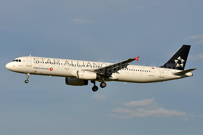 Turkish Airlines Airbus A321-231 TC-JRL (msn 3539) (Star Alliance) VIE (Tony Storck). Image: 939142.