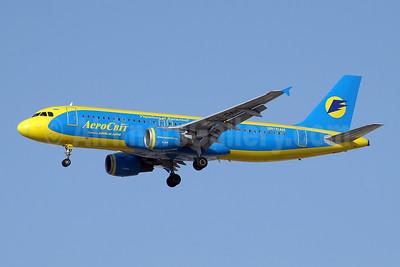 AeroSvit Ukrainian Airlines Airbus A320-212 UR-DAH (msn 579) DXB (Paul Denton). Image: 909901.