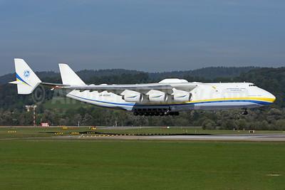 Antonov Airlines Antonov An-225 Mriya UR-82060 (msn 19530503763)  ZRH (Andi Hiltl). Image: 923430.