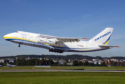 Antonov Airlines Antonov An-124-100 UR-82008 (msn 195305010006) ZRH (Rolf Wallner). Image: 929154.