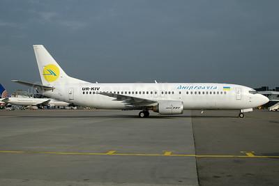 Dniproavia Boeing 737-4Y0 UR-KIV (msn 24686) AMS (Ton Jochems). Image: 953928.