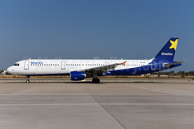 Kharkiv Airlines (Air Alanna) Airbus A321-211 UR-CRI (msn 2330) AYT (Ton Jochems). Image: 944042.