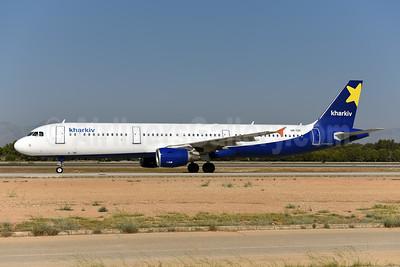 Kharkiv Airlines (Air Alanna) Airbus A321-211 UR-CRI (msn 2330) AYT (Ton Jochems). Image: 944043.