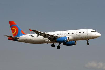 Khors Aircompany Airbus A320-231 UR-CKA (msn 393) (Viking Hellas colors) PMI (Javier Rodriguez). Image: 952914.