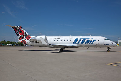 UTair Aviation (Ukraine) Bombardier  CRJ200 (CL-600-2B19) UR-UTZ (msn 7121) CGN (Rainer Bexten). Image: 936285.