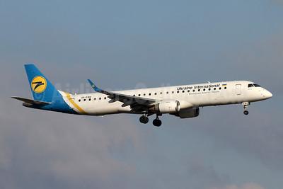 Ukraine International Airlines Embraer ERJ 190-200LR (ERJ 195) UR-EMG (msn 19000088) ZRH (Andi Hiltl). Image: 948837.