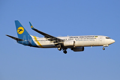 Ukraine International Airlines Boeing 737-8HX WL UR-PSB (msn 29654) AYT (Paul Denton). Image: 910061.