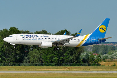 Ukraine International Airlines Boeing 737-8AS WL UR-PSV (msn 35017) BUD (Tony Storck). Image: 939172.