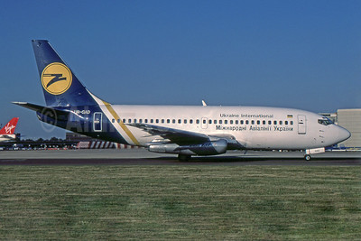 Ukraine International Airlines Boeing 737-2T4 UR-GAD (msn 22802) LGW (SPA). Image: 939173.