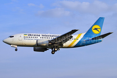 Ukraine International Airlines Boeing 737-5Y0 UR-GAJ (msn 25192) SEN (Keith Burton). Image: 906785.