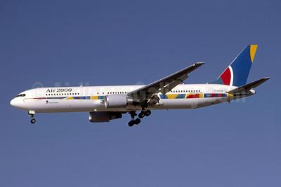 Air 2000 (UK) Boeing 767-38A ER G-OOAM (msn 29618) LAS (Bruce Drum). Image: 105301.