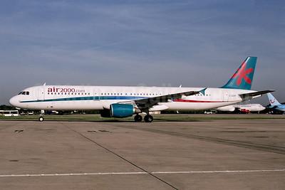 Air 2000 (UK) (Air 2000.com) Airbus A321-211 G-OOAF (msn 677) LGW (Ton Jochems). Image: 952973.