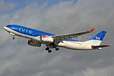 bmi (British Midland International) Airbus A330-243 G-WWBB (msn 404) LHR (SPA). Image: 940303.