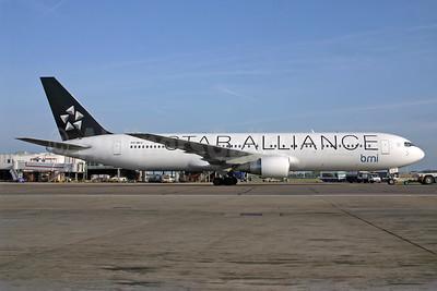 bmi (British Midland International) (Arkefly) Boeing 767-31A ER PH-MCV (msn 27619) (Star Alliance) LHR (SPA). Image: 940584.