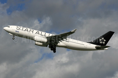 bmi (British Midland International) Airbus A330-243 G-WWBM (msn 398) (Star Alliance) LHR (SPA). Image: 924563.