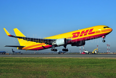 DHL Air (UK) Boeing 767-3JHF ER WL G-DHLE (msn 37805) JFK (Ken Petersen). Image: 934226.